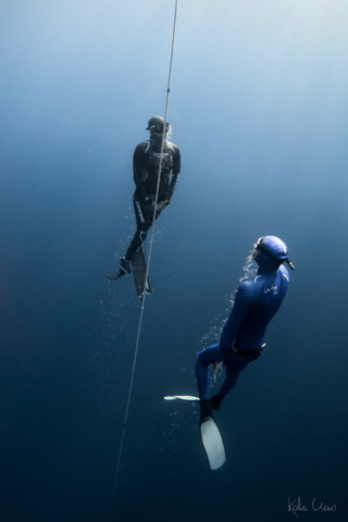 Cressi wetsuits, safety diver meeting me on the way up